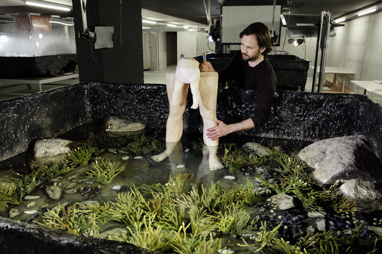 Fabrication and Disintegration in Contemporary Art, VoCA